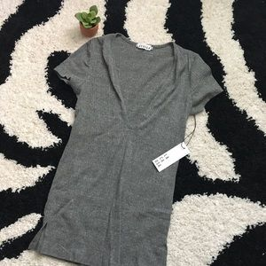 NWT LACAUSA Ribbed Gray Plunge Short Sleeve Sz S